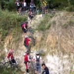 Klub Sepeda Chevron Bantu Dua Sekolah di Duri