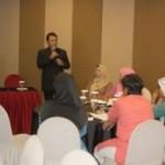 Bisnis Forum UMKM Bank Riau bersama Syahnan Phalipi