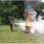Karyawan Perpustakaan Soeman HS Dilatih Pemadaman Kebakaran