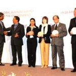 APRIL – UNEP Gelar Champion of The Earth 2007