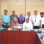Audiensi Surat Kabar Riau pos dengan Plt Gubri
