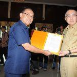 Wagubri Terima Surat Keputusan Pelaksaan Tugas Gubernur Riau