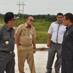 Meninjau Jembatan Siak IV Di Kecamatan Siak Kecil