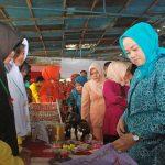 Plt Ketua TP PKK, Ketua DW Sekretariat Daerah Prov Riau tinjau Bazar Jambore Anak2 Panti Hasuhan/LKSA III Se-Prov Riau