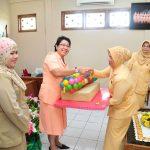 DPD GOPTKI Serahkan Bantuan Insentif Guru dan Alat Peraga Taman Kanak Kanak Lingkup GOPTKI Prov Riau