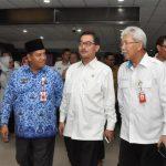 Galeri: Asisten I Setda Prov Riau Jemput Kedatangan Menteri Agraria RI