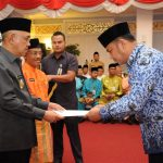 Galeri: Plt Gubri serahkan SK Kenaikan Pangkat PNS di Lingkungan Pemprov Riau