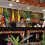 Galeri: Plt Sekda Prov Riau Hadiri Paripurna DPRD Tentang LKPJ Gubri Tahun 2015
