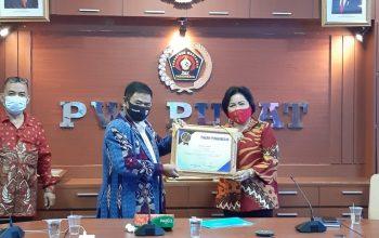 """Permalink ke """"PWI Jaya Award"""" untuk Wiluyo Kusdwiharto dan Sri Andini"""