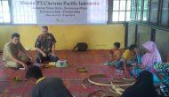 Permalink ke Lestarikan Budaya Lokal, Chevron Latih Pengrajin Anyaman Pandan