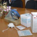 UNTUK PENANGANAN KASUS FLU H1N1 DAN H5N1 BPMIGAS-Chevron Serahkan Bantuan Alat-alat Pelindung Diri