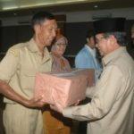 Galeri Penyerahan Bantuan PNS Pemprov Riau