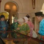 Istana dan Batik Siak Dikunjungi Ibu Wapres