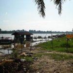 Desa Rantau Baru di Pelalawan Terancam Terjun ke Sungai
