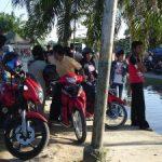 Penderitaan Korban Banjir Jadi Tontonan Warga Pekanbaru