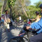 Pengungsi Korban Banjir Mulai Minta-Minta di Jalan