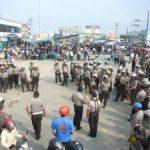 Aksi Unjukrasa AMUK Makin Memanas, Polisi Berusaha Bubarkan Massa