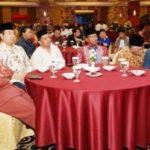 BUKA BERSAMA WARTAWAN Riaupulp Serahkan Bingkisan untuk Wartawan Senior di Riau