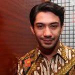 Reza Rahadian Kembali Raih Gelar Aktor Terbaik